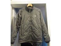 THE NORTH FACE GREY JACKET 2 ZIP POCKETS LIGHTWEIGHT & DURABLE SIZE XL.
