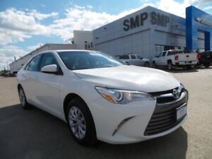 2016 Toyota Camry LE 2.5L 4Cyl - Bluetooth, Reverse Camera
