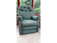 Electric Riser/Recliner Armchair