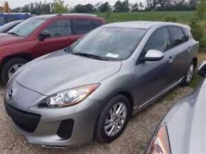 2013 Mazda MAZDA3 GS SKYACTIV HATCHBACK! SUNROOF! HEATED SEATS!