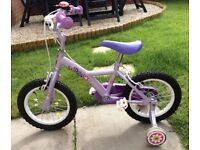Girls' bike with stabilisers
