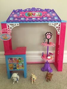 Barbie Malibu Pet Shop Play Set