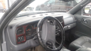 2000 dodge Durango CHEAP WìITH NEW PARTS AND TIRES