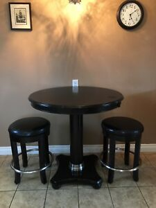 Bar table and 2 stools