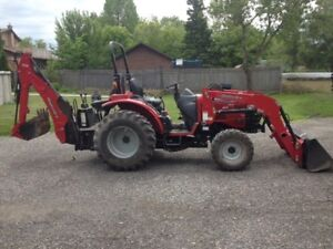 2013 Mahindra 3016 4WD Tractor with Loader and Backhoe