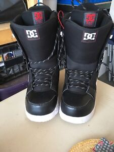 DC Snowboard Boots - Size 11