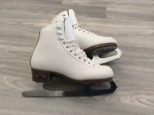 Size 3.5 Riedell Skates