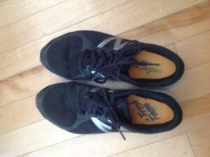 Chaussures de course noires Zante New Balance V2