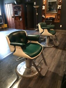 Vintage Classic Barber Chairs! Hydraulic Lift/Swivel