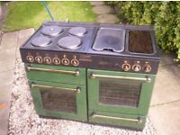LEISURE 110 ELECTRIC RANGE COOKER.EXCELLENT CONDITION IN CLASSIC BALMORAL GREEN AND GOLD.