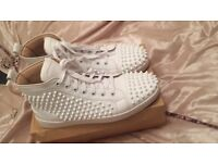 Loubs white 8.5