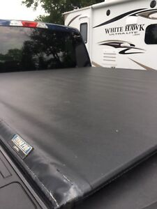TONNO PRO LOROLL FORD F150 BED COVER