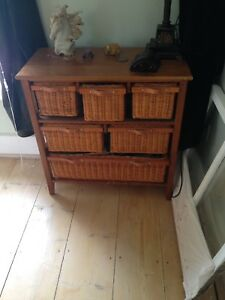 Wicker chest