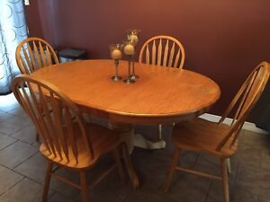 Kitchen table for sale! Need it gone!