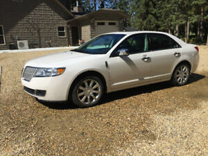 2010 Lincoln MKZ Sedan AWD lady owned