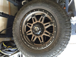 Fuel rims with toyo a/t open country tires LT275/65R20