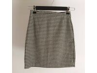 Houndstooth skirt Size 6
