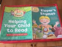 Biff chip and kipper reading books