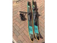 Nitro water skis (Like brand new condition)