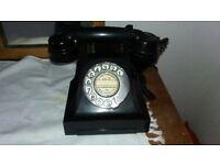 Black Bakelite telephone