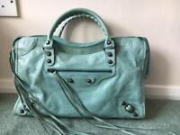 City style handbag