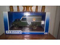 Universal Hobbies Land Rover Series 3 109 Hard Top 1:18 Die Cast Model in Box