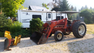 1980 50 hp 2wd IH tractor