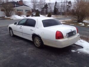 2003 Lincoln town car signature series