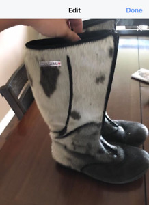 Woman's seal skin boots size 10