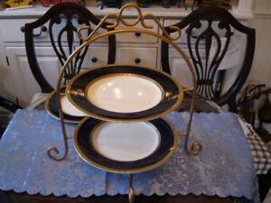 Assiettes porcelaine bleu cobalt et doré Crown Ducal ENGLAND