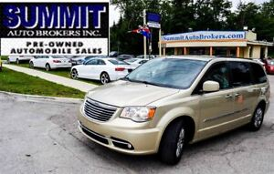 2011 Chrysler Town & Country TOURING | CAR-PROOF CLEAN | DVD | L