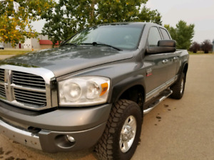 2008 3500 diesel Laramie 4×4 grey with grey leather