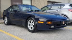 1985 Porsche 944 Coupe (2 door)