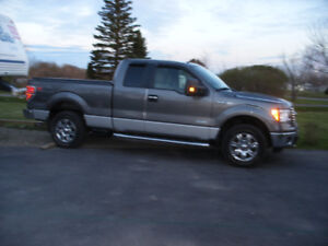 ( REDUCED) 2011 Ford F-150  XLT XTR Pickup Truck