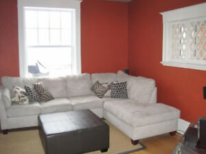 Gorgeous 3-Bedroom Apartment in Golden Triangle - SEPT 1