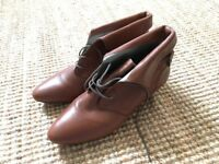 Office pixie boots, very good condition, brown real leather, size 6, vintage look
