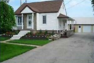 Niagara on the lake, New renovation farmhouse with barn for rent
