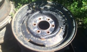 looking for a 17 inch 6 bolt rim for GMC pick up