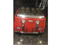 Delongi four slice toaster