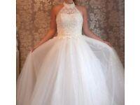 Beautiful Halter neck Wedding Dress size 8-10