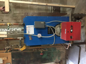 Hot water oil furnace