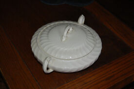 Vintage Burleigh ware white tureen with lid