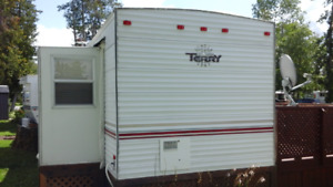 2001 Terry 39ft Trailer