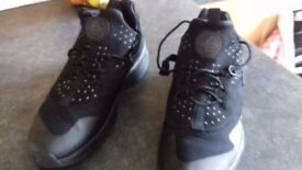Mens Used Nike Air Hurache Utility Triple Black Trainers Size 12