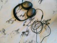 Brand new Bose QC25 - with Android Cable