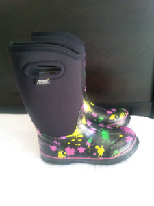 NEW Bogs Winter Boots size youth 5 (EUR 38)