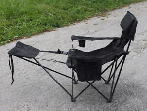 Lawn chair with foot rest - black