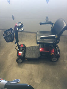 2 YEAR OLD GOGO SCOOTER WITH CTS SUSPENSION..COLLAPSABLE ....