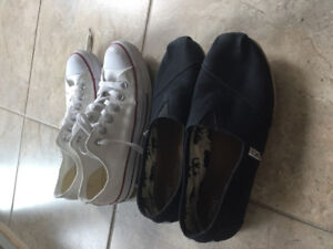 Womens 7.5 Toms and Converse Shoee