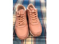 Ellesse Women's pink trainers